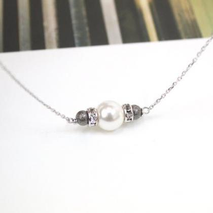Swarovski White Pearl necklace, whi..